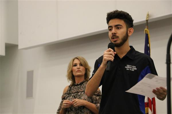 A San Luis student introduces the discussion at 2017 YYTH