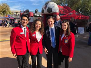 YUHSD students pose with Governor Ducey